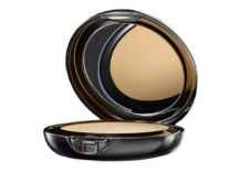 Lakme Absolute White Intense Wet and Dry Compact 9 gm Rs. 498 - Flipkart